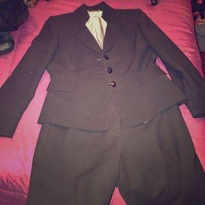Matching Tahari dressy pants and blazer